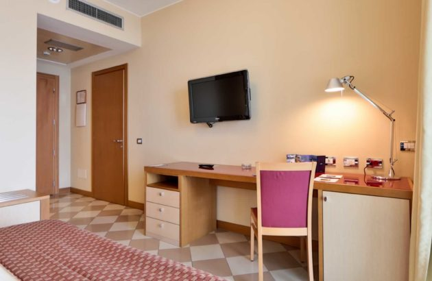 AtaHotel The One - Rooms -02 Uk directory listings